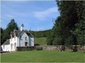Dog friendly Aberturret Cottage, Crieff | Perthshire Pets allowed